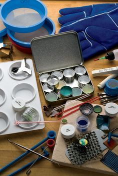 Check out these FREE #enameling techniques and tips to make rich and bright colors in your jewelry! #jewelrymaking