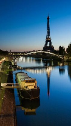 F is for France (Ok, so I've already been here.and I've yet to make it to Paris!) Paris, France - 10 of the Best Places to Visit in Europe Paris Hotels, Hotel Paris, Paris Torre Eiffel, Pont Paris, Paris Paris, Montmartre Paris, Paris 2015, Paris Cafe, Places Around The World