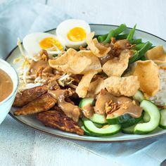 Indonesian gado gado - With rice and peanut sauce - Indonesian gado gado – With rice and peanut sauce – Nice recipes - Veg Recipes, Orange Recipes, Wine Recipes, Asian Recipes, Healthy Recipes, Ethnic Recipes, Punch Recipes, Gado Gado, Vegetarian Cooking
