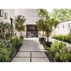 STAGE Außen-Bodenbelag Kollektion Stage by Ceramiche Marca Corona Outside Flooring, Outdoor Flooring, Modern Landscaping, Garden Landscaping, Outdoor Tiles, Patio Tiles, Patio Interior, Dream Garden, Backyard Patio