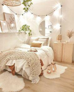 Cute Bedroom Decor, Room Design Bedroom, Bedroom Decor For Teen Girls, Apartment Bedroom Decor, Stylish Bedroom, Room Ideas Bedroom, Small Room Bedroom, Bedroom Inspo, Bedroom Decor Lights