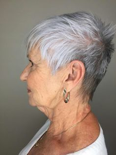 Haircut by Melissa  #iamsalonanddayspa #shorthair #shorthairdontcare #aveda #melussaiam #hair #stylist #whatsupwilmington #wilmingtonnc #wilmingtonstylist #modernsalon #americansalon #cb #carolinabeach #wb #wrightsvillebeach #wilmington #hairbrained #behindthechair