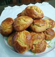 Portuguese Recipes, Portuguese Food, Pretzel Bites, Biscuits, Muffin, Food And Drink, Bread, Traditional, Breakfast