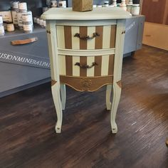 Fusionmineral paint Lifestyle, Creative, Table, Painting, Furniture, Home Decor, Art, Baroque, Closet
