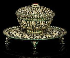 A fine diamond-inset and enamelled gold covered bowl and stand. Deccan or Mughal India, late 18th century.