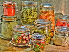 about Lacto-Fermentation, and recipe Ni Cru Ni Cuit, Fermenting Jars, Raw Food Recipes, Healthy Recipes, Piccalilli, Kefir How To Make, Dried Vegetables, Bodybuilding Nutrition, Food Wishes