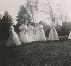 Sweet Briar College May Day, 1908. Sweet Briar College, some rights reserved. CC-BY-NC.
