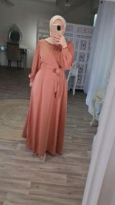 Dress Muslim Modern, Modest Outfits Muslim, Abaya Fashion, Modest Fashion, Fashion Outfits, Muslim Women Fashion, Islamic Fashion, Mode Abaya, Mode Hijab