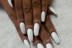Dark Skin Nail Polish, Best White Nail Polish, Dark Skin Nail Color, Dark Red Nails, Colors For Dark Skin, White Nails, White Nail Designs, Diy Nail Designs, Elegant Nails