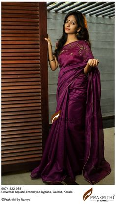 Pinterest @Yashu Kumar /beauty in saree Saree Gown, Sari, Dress Neck Designs, Saree Blouse Designs, Cutwork Saree, Bridesmaid Saree, New Designer Dresses, Silk Saree Kanchipuram, Modern Saree