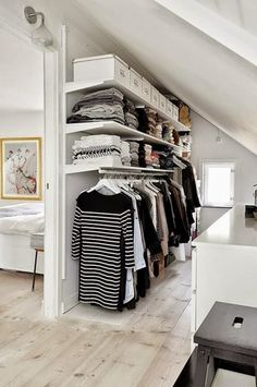 Best Small Walk in Closet Designs Pictures #Closet #RoomIdeas #HomeDesign