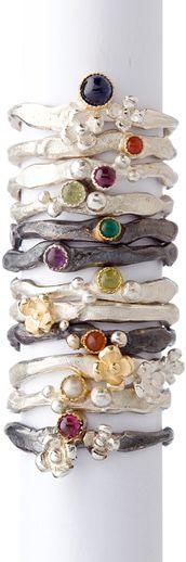 zilveren ringen met goud en gekleurde edelsteentjes, Wim Meeussen