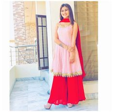 Party Wear Indian Dresses, Designer Party Wear Dresses, Indian Fashion Dresses, Pakistani Dresses Casual, Indian Bridal Outfits, Kurti Designs Party Wear, Dress Indian Style, Pakistani Dress Design, Indian Designer Outfits
