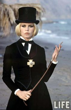 BARDOT ON THE SET OF SHALAKO, 1967....