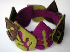 felt bracelet - idea for layering colors