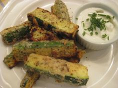Low Carb Low Fat Zucchini Fries!  Recipe @ SpaFlyer.com