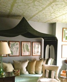 Room of the Day ~ fun patterned ceiling, love the twin-size daybed in Frances Schultz New York Apt - that doubles as guest room and office 1.29.2014