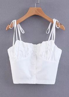 Fashion-CuteTeenOutfits button Crop Front Top White Button Front Crop Top in White Diy Crop Top, Crop Tops, White Crop Top Tank, Cute Summer Outfits, Cute Outfits, Outfit Summer, Trendy Outfits, Shorts Jeans, Crop Top Outfits