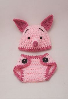 Crochet Piglet hat and diaper cover Crochet Kids Hats, Crochet Baby Clothes, Newborn Crochet, Crochet Beanie, Crochet Outfits, Baby Set, Baby Patterns, Crochet Patterns, Crochet Photo Props