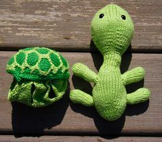 Turtle with removable shell!! So cute but I don't remember how to follow patterns for knitting :(
