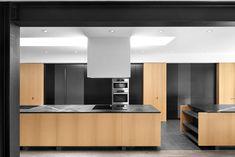 30 Rousing Black, White Wood Kitchens Ideas - Page 20 of 30 Layout Design, Küchen Design, House Design, Interior Design, Design Ideas, Bar Designs, Interior Modern, Farmhouse Kitchen Lighting, Farmhouse Light Fixtures