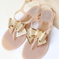 $50.99 Cool Cute Bowknot High-heeled Thong Sandals Size:US 5.5/US 6/ US 7/US 7.5/US 8 US 5.5 EUR 35 MM 225  US 6 EUR 36  MM 230  US 7 EUR 37  MM 235  US 7.5 EUR 38  MM 240  US 8 EUR 39  MM 245 Color: Black/Light Pink Material: PVC Feature:Bowknot ...