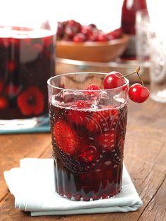 Lou-Manna-Turning-Leaf-Pinot-Sangria