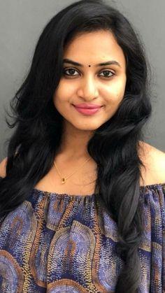 Indian Long Hair Braid, Braids For Long Hair, Beautiful Girl Indian, Gorgeous Women, Beautiful Heroine, South Indian Actress Hot, Actress Anushka, Indian Beauty, Cute Hairstyles