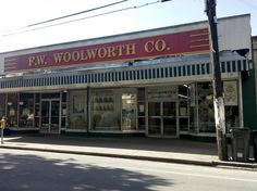 OMG---fake Woolworth's set up in the SAME place it was in my childhood---right across from the NOPD's 2nd District steps from Napoleon Ave. It's deja vu all over again! I wish I could have seen this in person!!