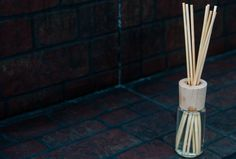 How to Make Reed Diffusers via www.wikiHow.com