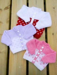 Knitting - Patterns for Children & Babies - Heart Round Neck Cardigans Baby Knitting Patterns, Baby Sweater Patterns, Baby Cardigan Knitting Pattern, Knitted Baby Cardigan, Knitted Baby Clothes, Knitting For Kids, Double Knitting, Baby Patterns, Free Knitting