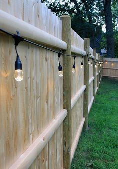 Who said DIY and budget décor must look cheap? This blog post is all about showing you great ideas on backyard upgrades on a budget you can assemble at your taste. Either you have a small garden or a long backyard; there are landscaping, furniture and décor ideas low on price yet million-bucks looking you can get! These backyard upgrades on a budget promise to help you in getting the best result with the lowest prices! #patio #backyardideasonabudget #backyarddiy #backyards Backyard Cafe, Backyard Patio Designs, Small Backyard Landscaping, Backyard Fences, Backyard Ideas, Landscaping Ideas, Patio Ideas, Small Patio, Pergola Ideas