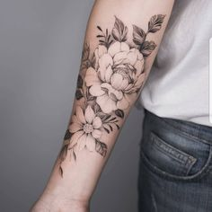 Rose fore arm tattoo - Rose fore arm tattoo You are in the right place about Rose fore arm tattoo Tattoo Design And Style - Rose Tattoos, New Tattoos, Body Art Tattoos, Sleeve Tattoos, Tatoos, Arm Tattos, Floral Arm Tattoo, Flower Tattoo Arm, Dahlia Tattoo