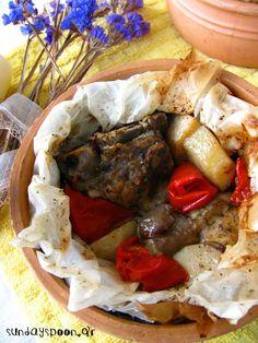 Αρνάκι στη λαδόκολλα • sundayspoon Pot Roast, Mexican, Beef, Ethnic Recipes, Food, Carne Asada, Roast Beef, Meal, Essen