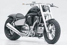 Suzuki Intruder VL1500 LC with accessories from Thunderbike