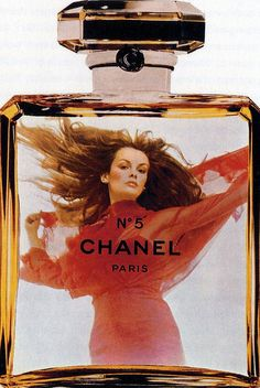 Jean Shrimpton photographed by Helmut Newton for the Chanel no.5 ad campaign in 1971.