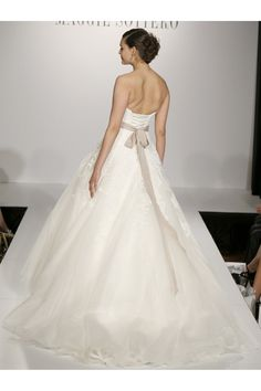 Maggie Sottero - Spring 2014  TAGS:Floor-length, Strapless, Train, White, Maggie Sottero, Lace, Tulle, Princess