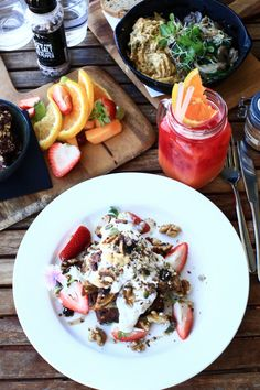 A popular cafe that is packed with health nuts every day is Grocer & Grind. #food #Australia