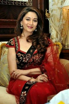 Résultat d'images pour Madhuri dixit Bollywood Outfits, Bollywood Saree, Bollywood Fashion, Indian Bollywood Actress, Indian Actresses, Madhuri Dixit Saree, 10 Most Beautiful Women, Saree Dress, Red Saree