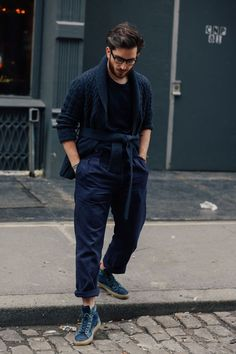 Street looks at New York Menswear Week Fall/Winter Fashion Week Hommes, La Fashion Week, Summer Fashion Trends, Fashion Mode, Fashion 101, Street Fashion, Fashion Ideas, Street Looks, Street Style