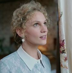 Farah Zeynep Abdullah as Sura in the Turkish TV series Kurt Seyit ve Sura She is realizing St. Petersburg, Russia will have a lot of firsts for her. Kurt Seyit And Sura, Petersburg Russia, Professional Attire, Turkish Actors, Period Dramas, Marbles, Movies Showing, Gq, Tv Series