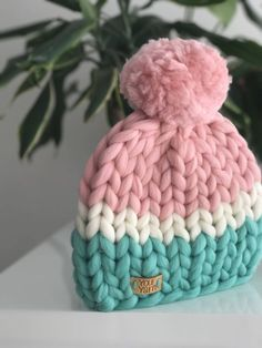 Diy Crafts - -Excited to share the latest addition to my etsy shop: Women's wool knit hat, Helsinki Hat, Super chunky hat with pom pon, Knit Hat. Yarn Projects, Knitting Projects, Knitted Baby Blankets, Knitted Hats, Arm Knitting, Knitting Patterns, Knitting Ideas, Diy Blanket Scarf, Knit Crochet