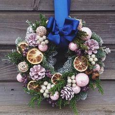 Christmas Advent Wreath, Xmas Wreaths, Christmas Night, Christmas Home, Handmade Christmas, Christmas Holidays, Christmas Crafts, Christmas Decorations, Holiday Decor