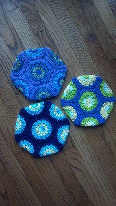 Ravelry: crochet potholder by lawardrop, via Flickr