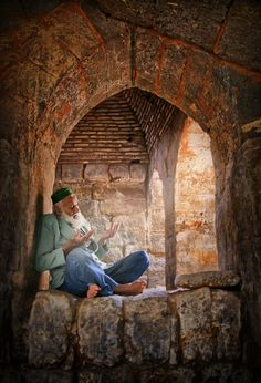The lives in Tarsus, Türkei Islamic Paintings, Foto Real, Islamic Wallpaper, Arabic Art, Islamic Pictures, World Cultures, Islamic Art, People Around The World, Belle Photo