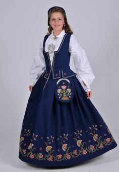 """""""Vest-Oppland bunad"""" from Vest-Oppland (west in Oppland), Norway (I think blue is the only color on this bunad) Folk Costume, Costumes, Costume Ideas, Norwegian Clothing, Norwegian Vikings, Native Wears, Miss Dress, Traditional Dresses, Vintage Dresses"""