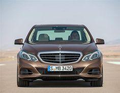 ¿Qué tienen de especial los faros de LED del Mercedes Clase E 2013? (© Mercedes-Benz)
