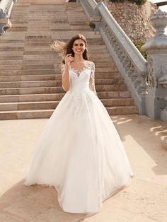 Plus Wedding Dresses, Lace Wedding Dress With Sleeves, Cute Wedding Dress, Lace Dress, Country Wedding Gowns, Long Sleeved Wedding Dresses, Popular Wedding Dresses, Ball Dresses, Ball Gowns