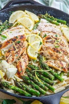 A bright and fresh grilled chicken and asparagus pasta in a creamy lemon and artichoke sauce! Today I have a fresh and summery Creamy Lemon Grilled Chicken, Asparagus and Artichoke Pasta! Chicken Recipes Under 500 Calories, Dinners Under 500 Calories, 500 Calorie Dinners, Healthy Pasta Recipes, Healthy Pastas, Cooking Recipes, Recipes With Pasta, Keto Pasta Recipe, Healthy Weeknight Dinners