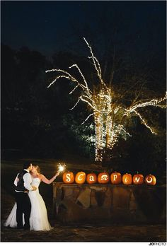 "15 Cool Halloween Wedding Ideas, Will you be celebrating your love and saying ""I do"" on the Halloween's Eve? For some couples a Halloween wedding is far from their worst nightmare and. Fall Pumpkin Wedding, Fall Wedding, Our Wedding, Dream Wedding, Gothic Wedding, Geek Wedding, Medieval Wedding, Wedding Black, Wedding Album"
